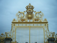 The gilded gates of the Château de Versailles